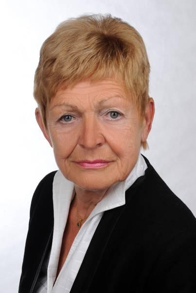 Frau Dr. Helga Pilz